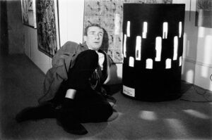 Brion Gysin and the Dream Machine - photo by Harold Chapman